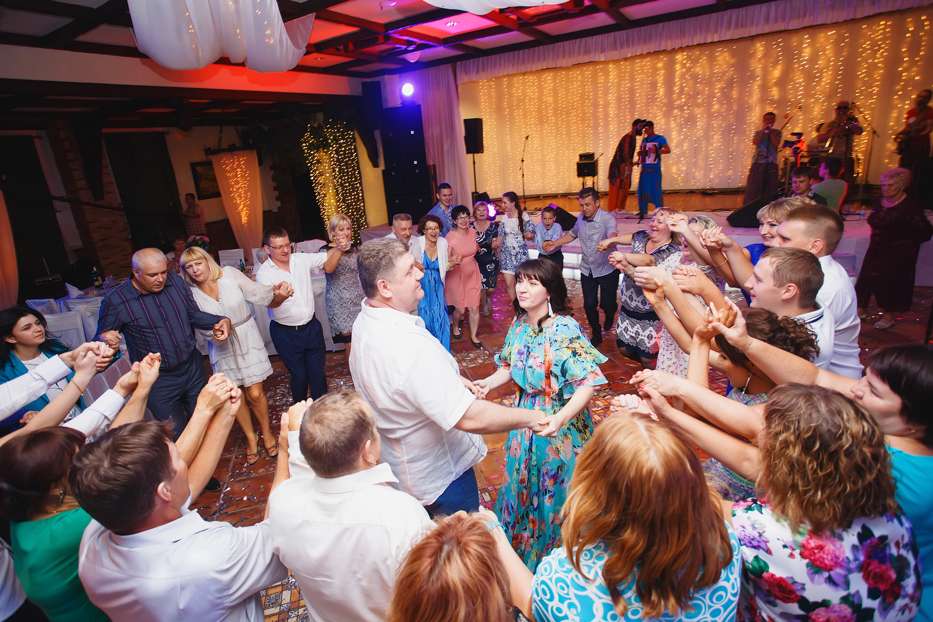 Защищено: Репортаж | 2015-07-06 Серебряная свадьба